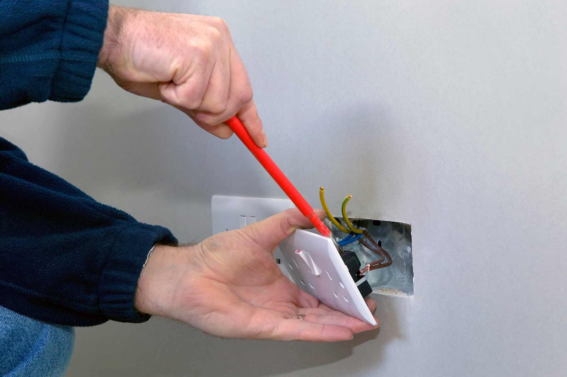 Our electricians can install plug sockets for domestic and commercial proeprties in Wood Green and the local area.